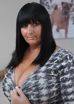 Big booty milf lesbian