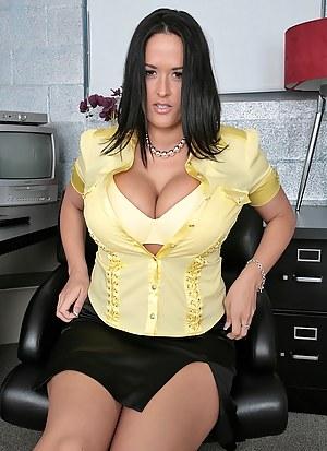 Pregnant Big Boobs Porn Pictures